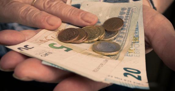 Geld-hand-klein