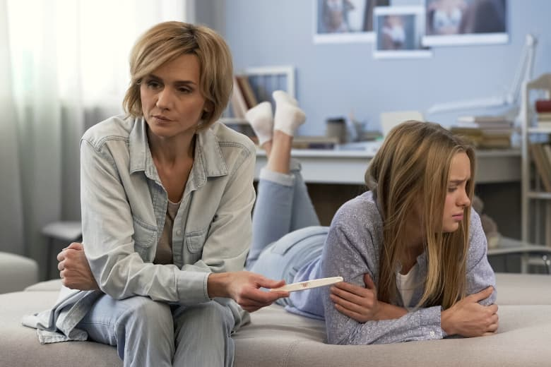Teenie-Mütter brauchen Unterstützung der Eltern
