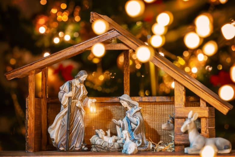 Christkind in Weihnachtskrippe