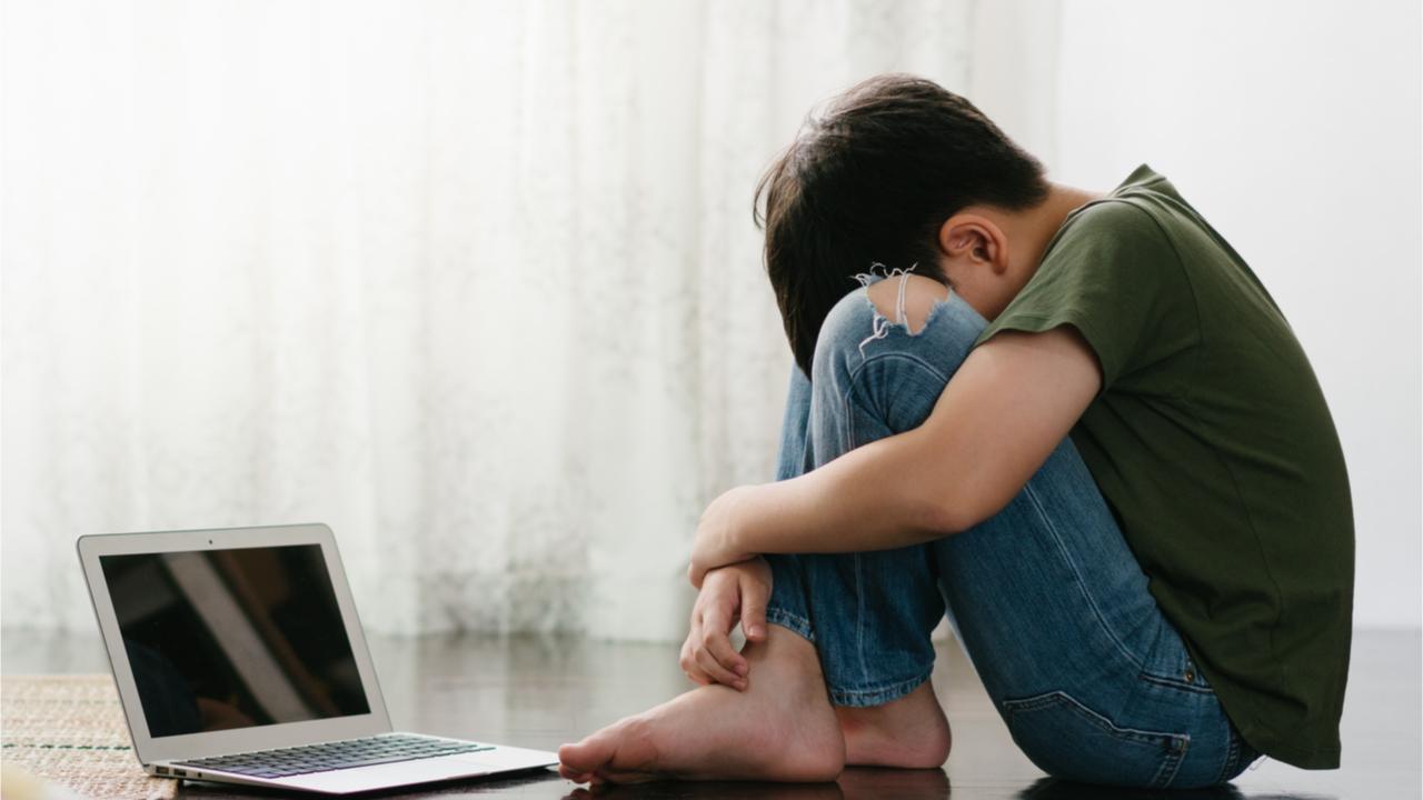 Gerade junge Menschen und Kinder finden im Online Trauern eine neue Form der Trauerbewältigung.