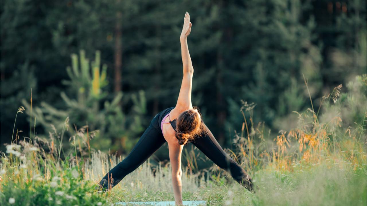 Um Leistungsdruck vorzubeugen und Stress abzubauen, hilft es, Sport in der Natur zu machen.