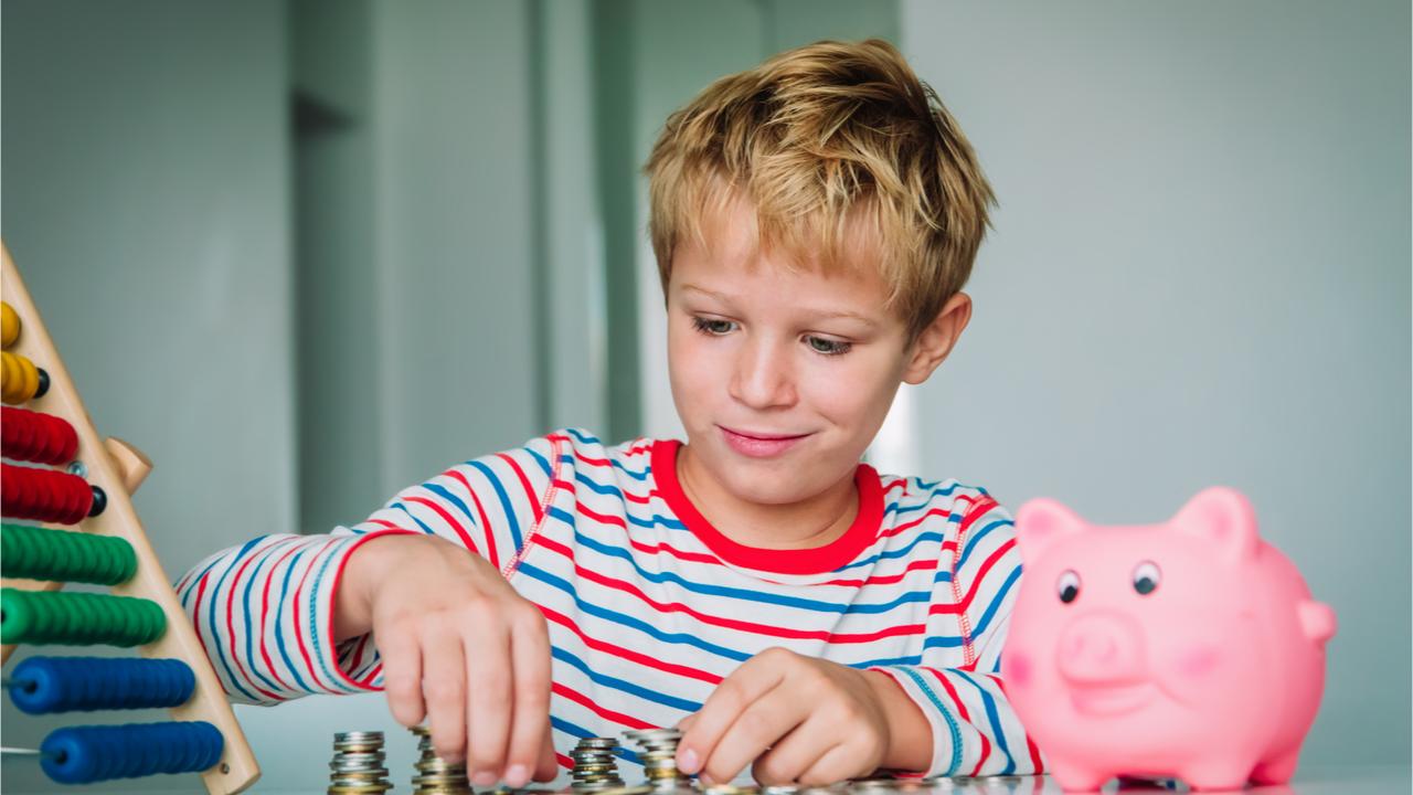 Durch ein regelmäßiges Taschengeld können Kinder früh lernen, ihr Geld zu sparen.